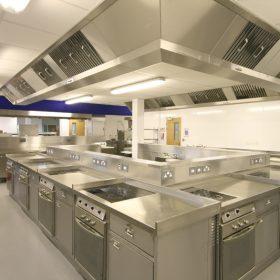 Chiến binh siêu tốc trong các khu bếp công nghiệp